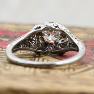 Floral rings can be a challenge to clean
